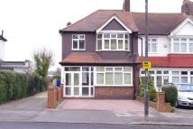 3 bedroom semi detached house to rent in Hillcross Avenue, Morden...