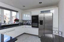 3 bed Terraced house to rent in Grove Road, East Molesey...