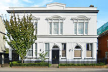 2 bed Flat to rent in Bridge Road...
