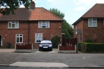 2 bed End of Terrace property in Walnut Tree Road...