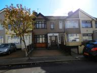3 bed Terraced home in Hawthorn Avenue ...
