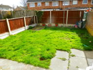 property to rent in Brights Avenue, Rainham...