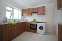 Maisonette to rent in Upminster Road South...