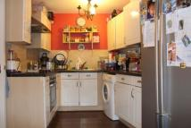2 bed Apartment for sale in Admirals Way, Gravesend...