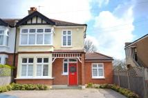 4 bedroom semi detached property to rent in Woodville Road, Barnet...