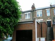 Studio flat in Ballards Lane, Finchley...