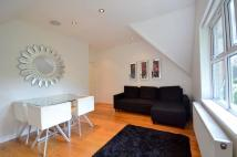 2 bedroom Flat to rent in Woodside Park Road...