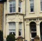 2 bedroom Flat in Avenue Road, , SS0