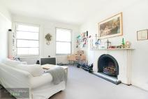 2 bed Flat in Clapham Common South...