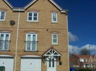 Town House to rent in Chillerton Way, Wingate...