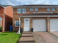 3 bed semi detached home in Meadow View...