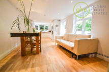Apartment to rent in Morna Road, Camberwell