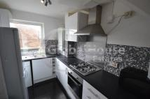 Flat in Congreve Street, Walworth