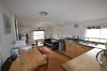 2 bedroom Flat to rent in South Island Place, Oval