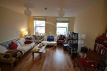 4 bedroom Flat to rent in Walworth Road, London