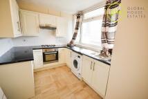 3 bedroom Apartment in Garden Row...