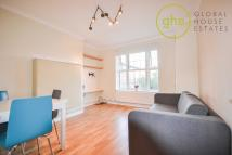 1 bed Apartment in County Street, Bourough