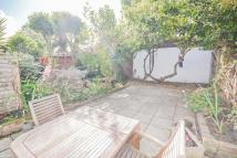 2 bed Apartment in Hargwyne Street, Brixton