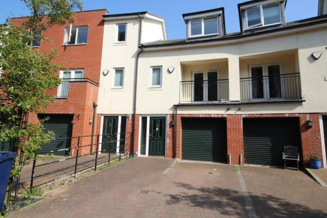 4 bedroom town house for sale in st catherines court for Catherines house