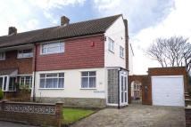 3 bed semi detached property for sale in Cray Road, Crockenhill...