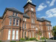 Duplex to rent in Gloucester