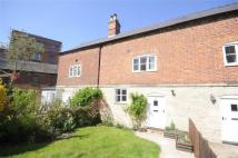 2 bedroom Terraced house to rent in Stonehouse