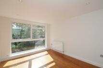 2 bed Flat in Hampton Road, Teddington...