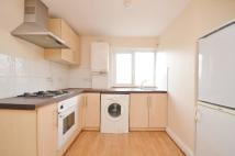 Flat to rent in Taylor Close...