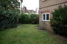 Ground Flat to rent in Chesil Court...