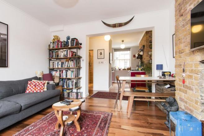 2 Bedroom Flat For Sale In Shepton House Bethnal Green E2 0JN