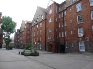 2 bed Flat in Hedsor House, Shoreditch...