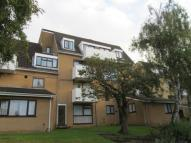 Flat in cowes court