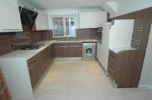 3 bedroom semi detached home to rent in Valley Drive, Kirkella...