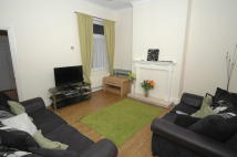 3 bed Terraced house to rent in East Park Avenue, Hull...