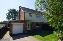 3 bedroom semi detached house in Woodland Drive, Anlaby...