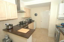 3 bed Terraced house to rent in East Park Avenue, Hull