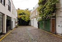 3 bed Mews in Cornwall Mews West...
