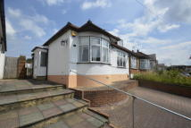 2 bedroom Bungalow in Chingford Avenue, London...