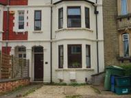 Flat in Stanley Road, Cowley...