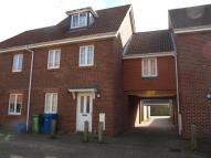 3 bed house to rent in Vixen Drive, Aldershot...