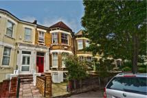 Maisonette to rent in Mildenhall Road, E5
