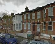 Flat to rent in Elmcroft Street, Hackney...