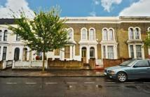 2 bedroom Maisonette in Dunlace Road, E5
