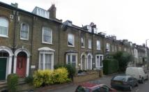 Flat to rent in Cricketfield Road...