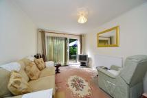 1 bed Flat for sale in Rosebank Gardens, E3
