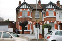 5 bed semi detached property to rent in Poplar Grove, New Malden