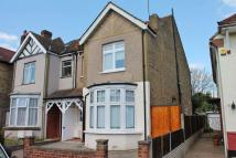 2 bed Flat in Lime Grove, New Malden
