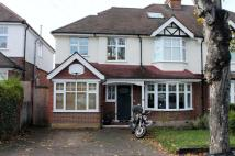 5 bed semi detached property to rent in Rosebery Avenue...