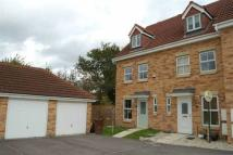 3 bedroom Town House to rent in Oakmont Close, Normanton...