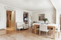 Town House to rent in Court Close St John's...